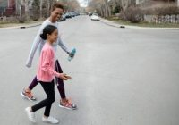 Attention, slow walkers! Your walking habits may increase your likelihood of getting sick later in life